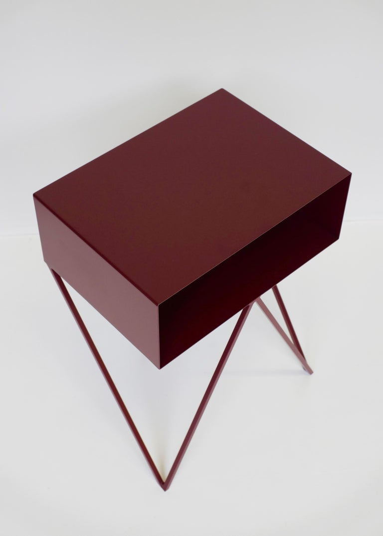 Modern Pair of Burgundy Powder-Coated Steel Robot Bedside Tables For Sale