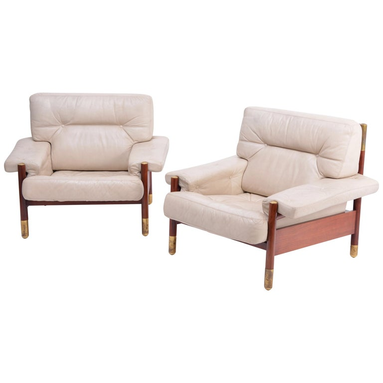 """Pair of Beige Mid-Century Modern Lounge Chairs Model """"Sella"""" by Carlo de Carli For Sale"""