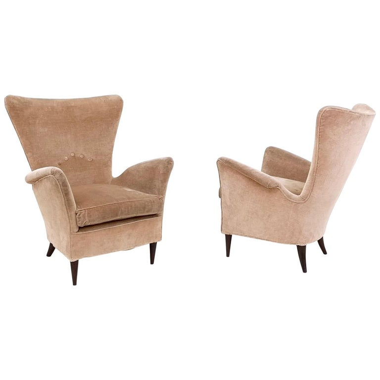 "Pair of Beige Velvet Armchairs Ascribable to Gio Ponti for Hotel Bristol"", 1950s For Sale"