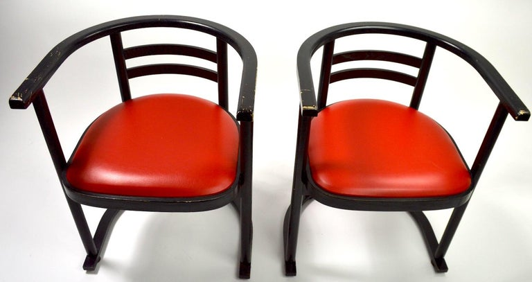 Pair of Bentwood Chairs after Hoffman for Thonet In Good Condition For Sale In New York, NY
