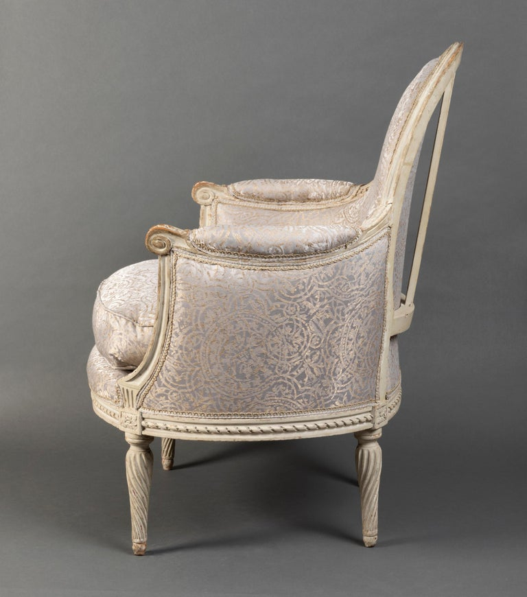 Pair of Bergère Chairs from the Louis XVI Period Stamped, Delanois, 18th Century In Good Condition For Sale In Saint Ouen, FR