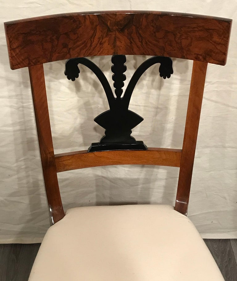 Early 19th Century Pair of Biedermeier Chairs, South German 1820, Walnut For Sale