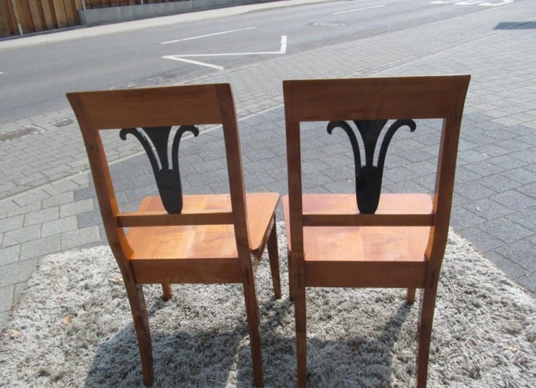 Early 19th Century Pair of Biedermeier Style Chairs For Sale