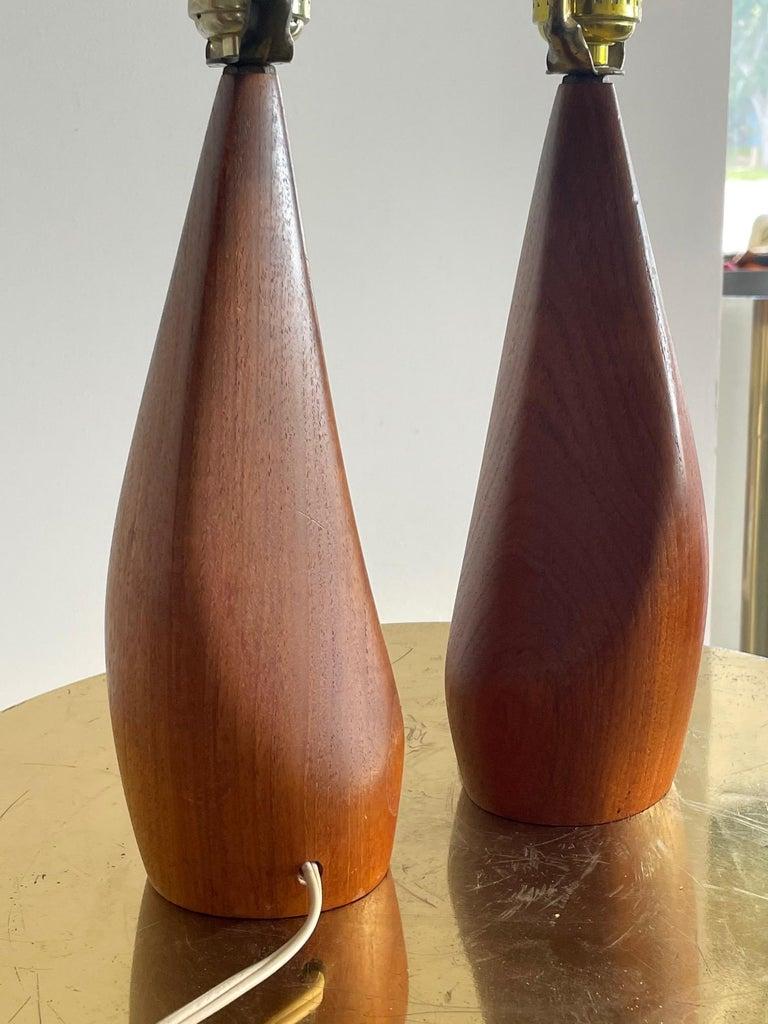 Mid-Century Modern Pair of Biomorphic Danish Teak Lamps by Ernst Henriksen For Sale