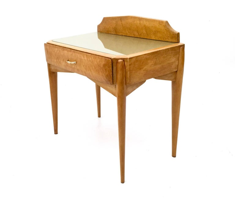 Pair of Birch and Beech Nightstands with a Glass Top, Italy, 1950s For Sale 1