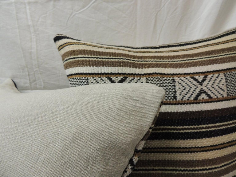Hand-Crafted Pair of Black and Brown Woven Square Decorative Pillows For Sale