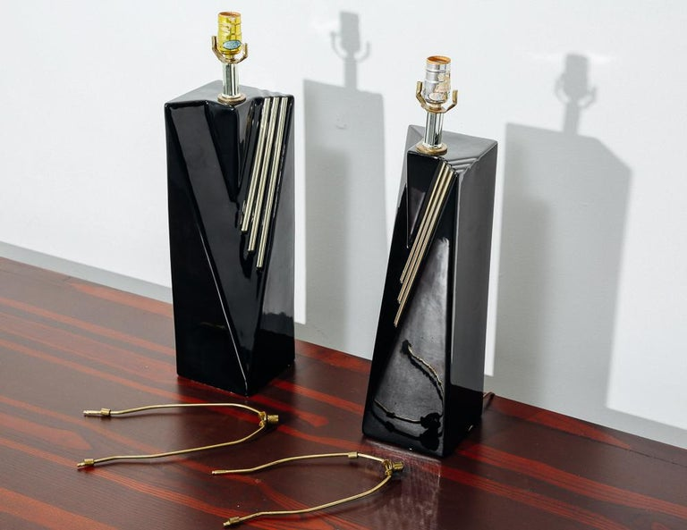 Post-Modern Pair of Black and Gold Table Lamps For Sale