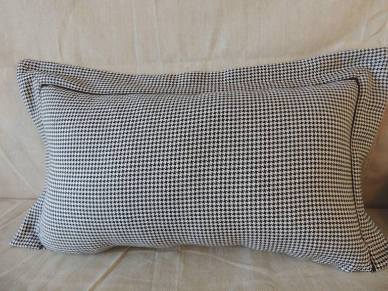 Tribal Pair of Black and White Houndstooth Pattern Modern Lumbar Decorative Pillows For Sale