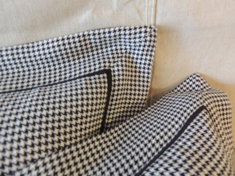 Pair of Black and White Houndstooth Pattern Modern Lumbar Decorative Pillows For Sale 1