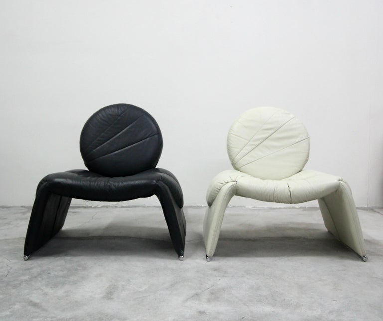 Minimalist Pair of Black and White Leather Vintage Italian Lounge Chairs