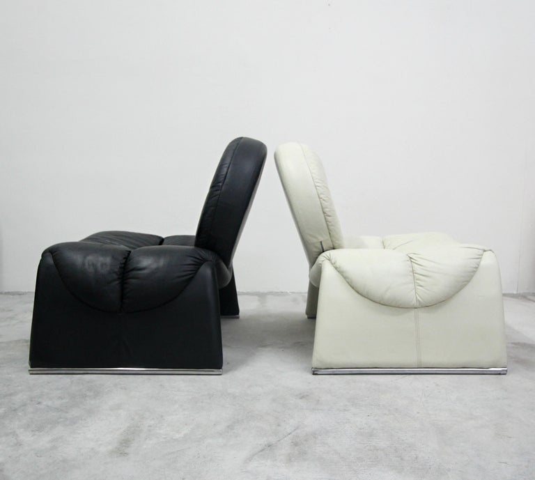20th Century Pair of Black and White Leather Vintage Italian Lounge Chairs