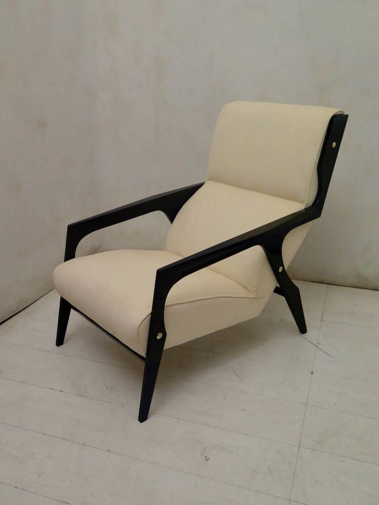 Pair of Black and White Midcentury Armchairs For Sale 3