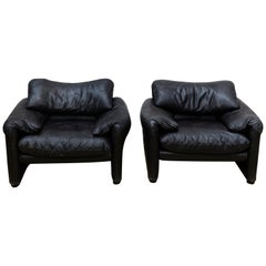 Pair of Black Easy Chairs Maralunga by Vico Magistretti for Cassina
