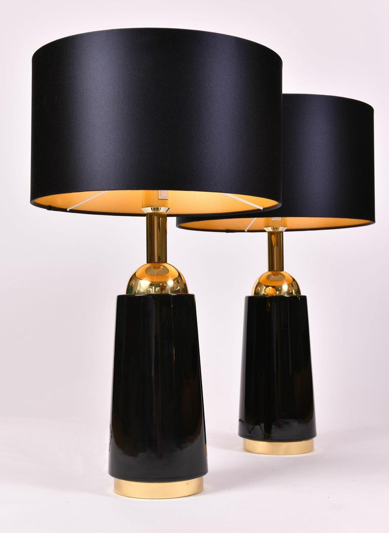 Pair of Black Glass and Brass 1960s Swedish Table Lamps by Bergboms In Excellent Condition In London, GB