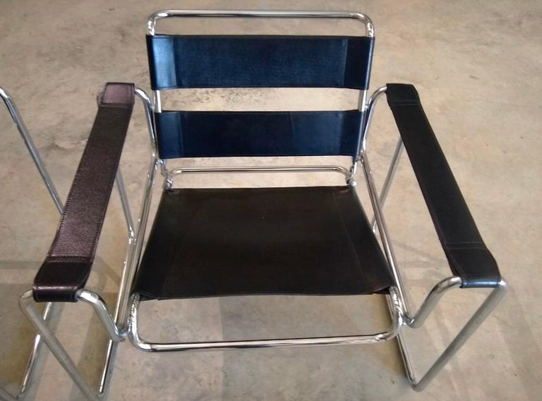 Italian Pair of Black Leather Marcel Breuer Style Wassily Chairs Mid-Century Modern For Sale