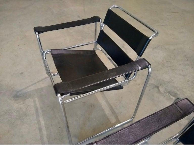 Pair of Black Leather Marcel Breuer Style Wassily Chairs Mid-Century Modern For Sale 1