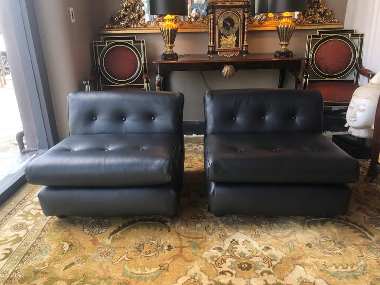 Italian Pair of Black Leather Mario Bellini B&B Chairs For Sale