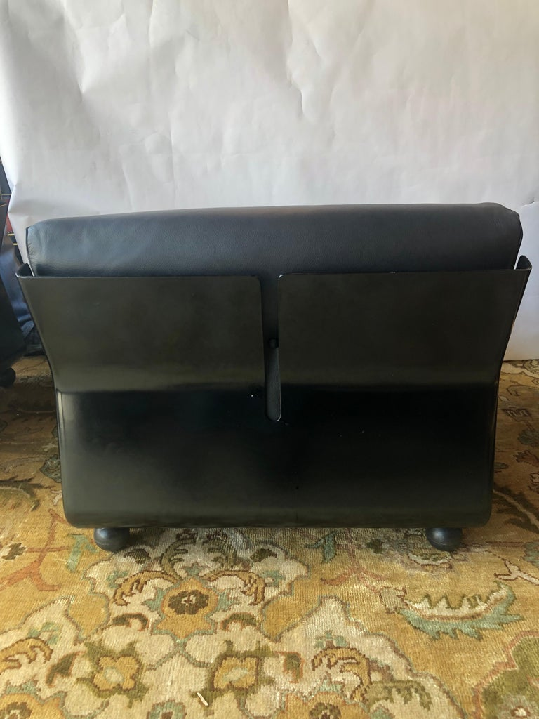 Pair of Black Leather Mario Bellini B&B Chairs For Sale 1