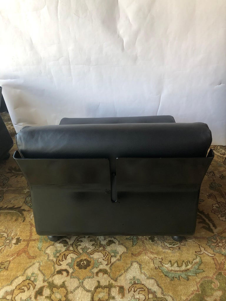 Pair of Black Leather Mario Bellini B&B Chairs For Sale 2
