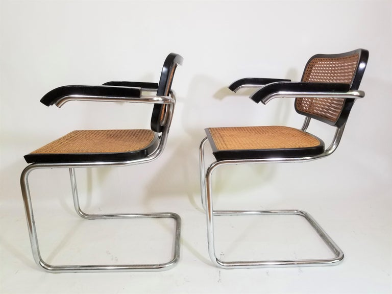 Mid-Century Modern Pair of Black Marcel Breuer Cesca Chairs, Italy For Sale