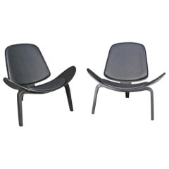 Pair of Black Shell Chairs in the Style of Hans Wegner