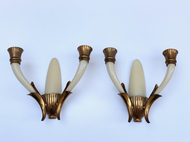 Pair of Blown Ivory White Murano Glass and Coppered Brass Italian Sconces, 1940s For Sale 1