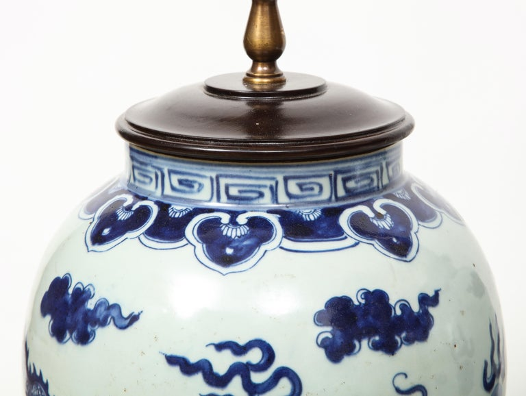 Pair of Blue and White Chinese Export Lamps For Sale 7