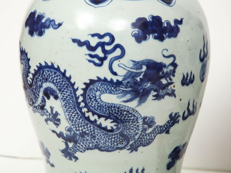Pair of Blue and White Chinese Export Lamps For Sale 8