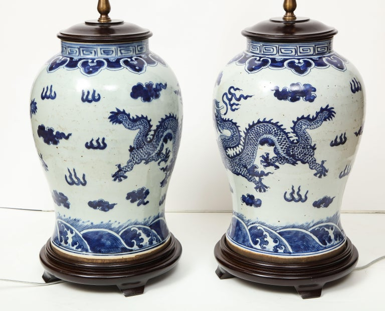 Pair of Blue and White Chinese Export Lamps For Sale 10