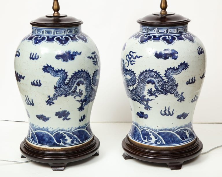 Pair of Blue and White Chinese Export Lamps For Sale 11