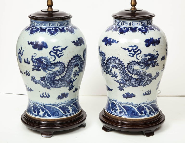 Pair of Blue and White Chinese Export Lamps For Sale 13