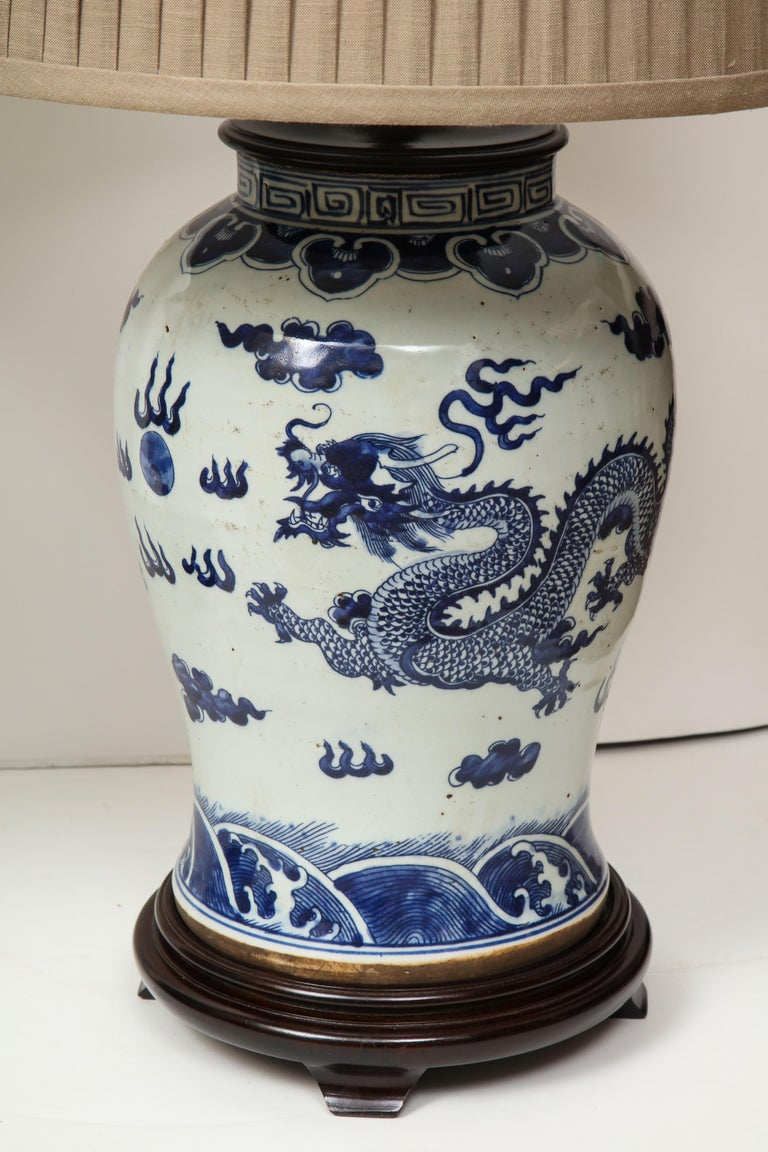 Pair of Blue and White Chinese Export Lamps In Excellent Condition For Sale In New York, NY