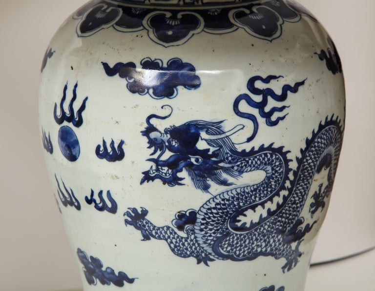 Pair of Blue and White Chinese Export Lamps For Sale 2