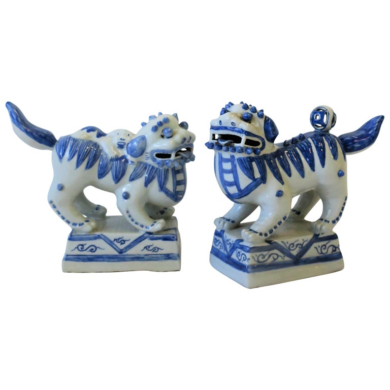 Pair Of Blue And White Foo Dog Sculptures Or Bookends For