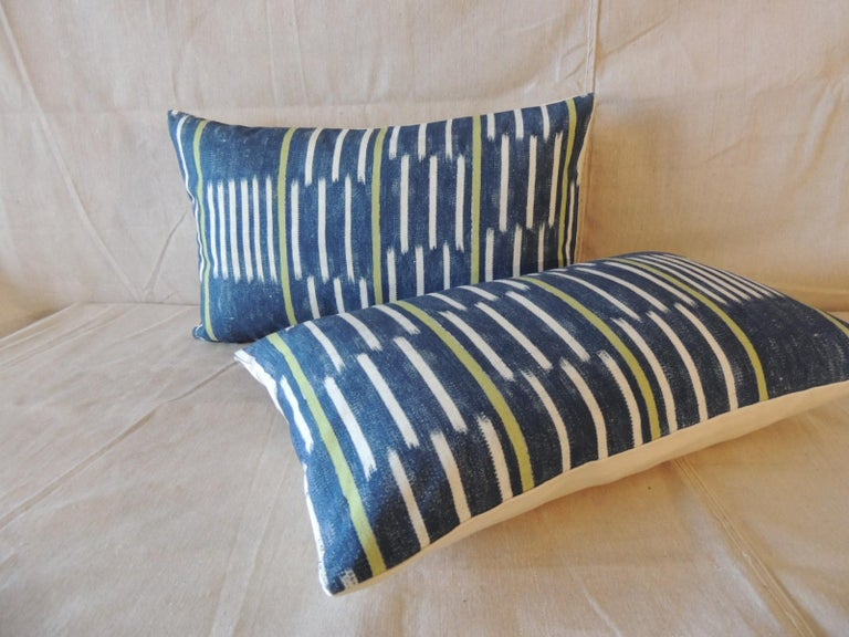 Tribal Pair of Blue and White Ikat Style Modern Lumbar Decorative Pillows For Sale
