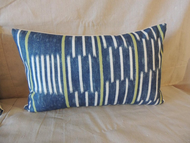 Contemporary Pair of Blue and White Ikat Style Modern Lumbar Decorative Pillows For Sale