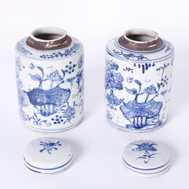Chinoiserie Pair of Blue and White Porcelain Jars For Sale