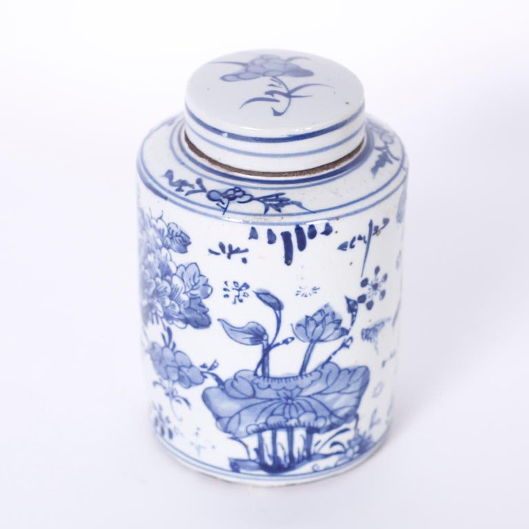 Hand-Painted Pair of Blue and White Porcelain Jars For Sale