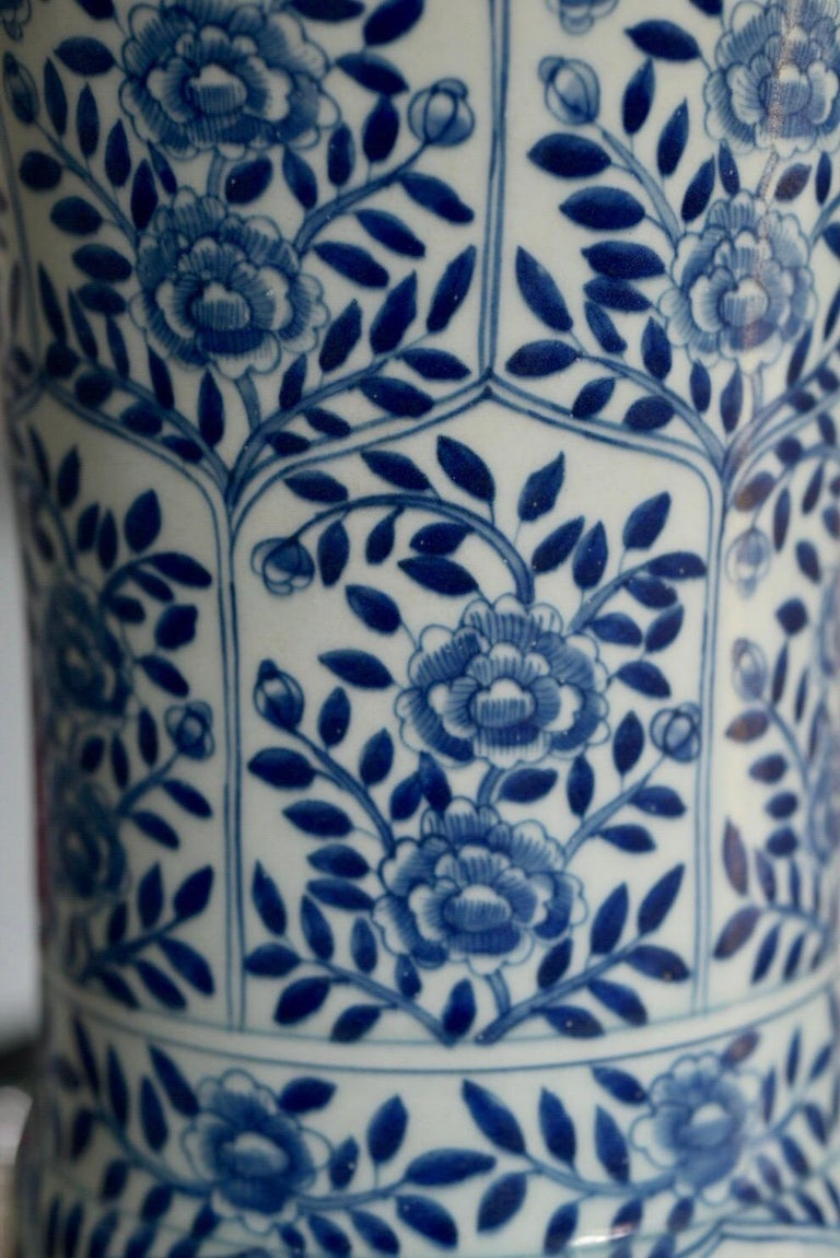 20th Century Pair of Blue and White Porcelain Lamps For Sale