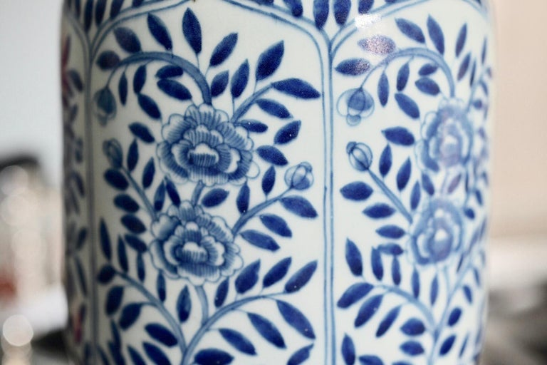 Pair of Blue and White Porcelain Lamps For Sale 2