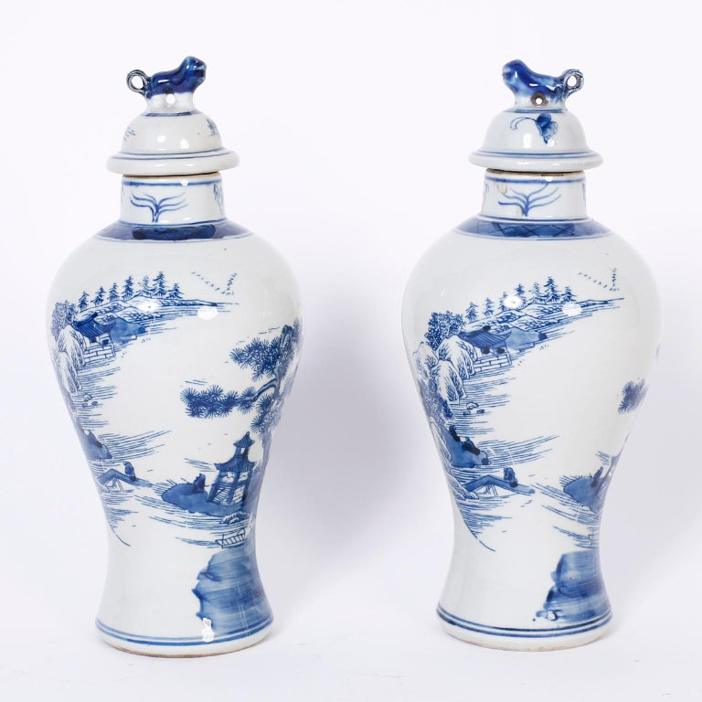 Chinoiserie Pair of Blue and White Porcelain Lidded Jars For Sale