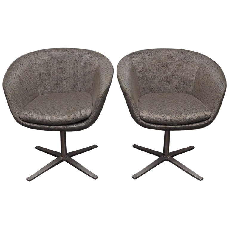 Sensational Pair Of Bob Swivel Chairs By Pearson Lloyd For Coalesse Home Interior And Landscaping Oversignezvosmurscom