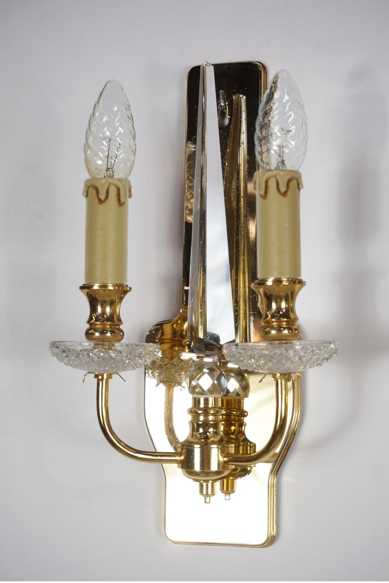 Pair of Brass and Crystal Wall Lights In Good Condition For Sale In TOURCOING, FR