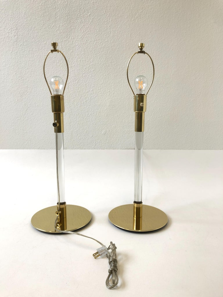 Late 20th Century Pair of Brass and Glass Table Lamp by Hansen Lamps For Sale