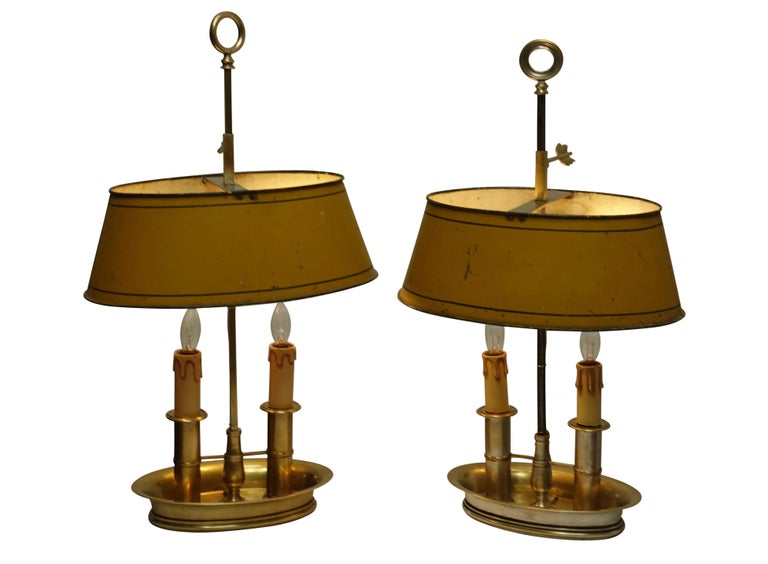 Pair of Brass Bouilotte Lamps with Yellow Tole Shades, French Early 19th Century For Sale 6