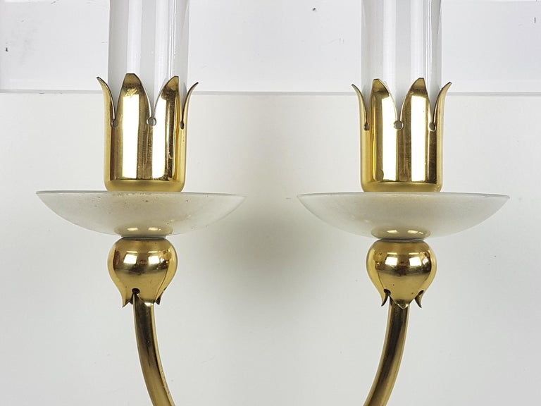 Mid-Century Modern Pair of Brass & Glass 2-Light 1950 Wall Fixtures by Angelo Lelii for Arredoluce For Sale