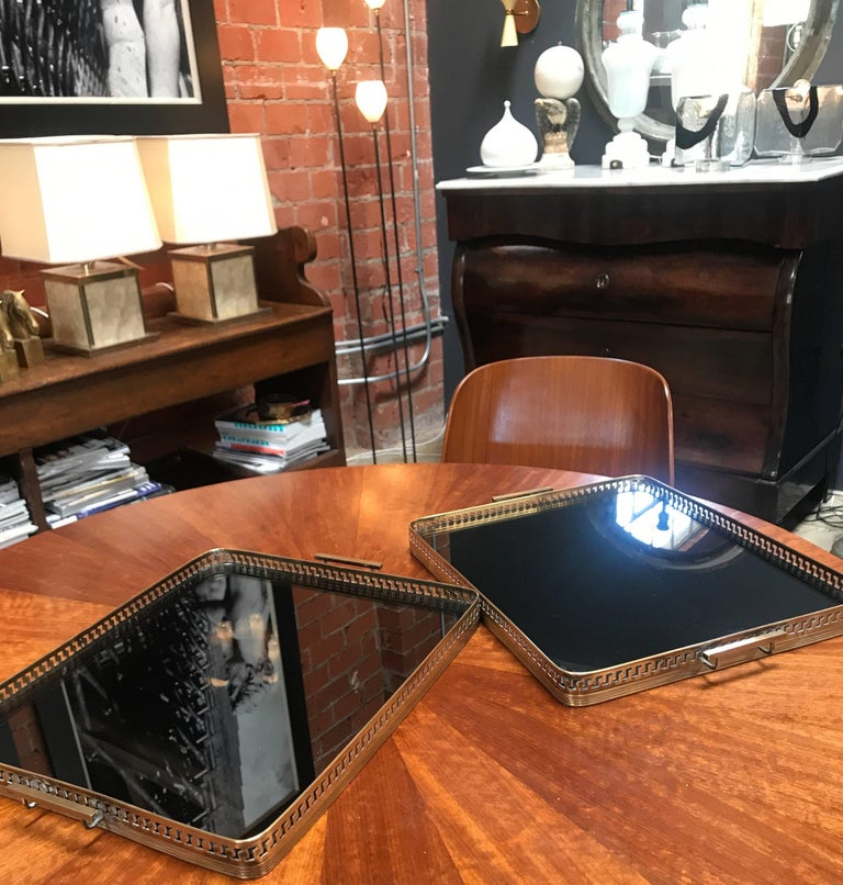 Pair of Brass Italian Tray with Smoke Glass Top, 1960s For Sale 3