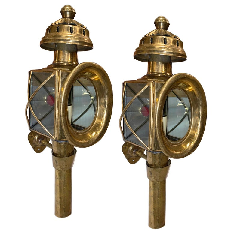 Pair of Brass Outdoor Wall Sconces In Good Condition In New York, NY