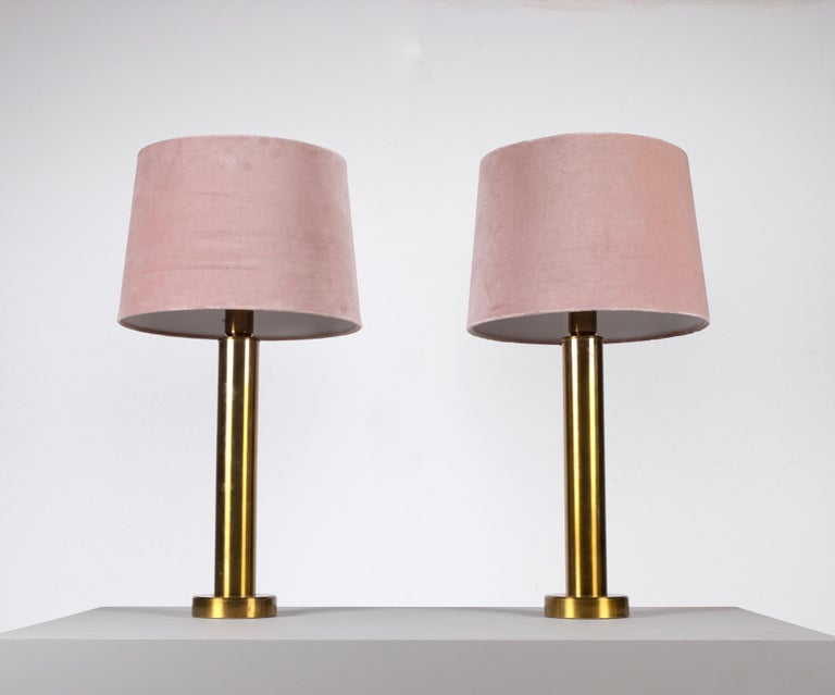 Produced by Kosta Belysning, Sweden, 1970s. Pink velvet shades.