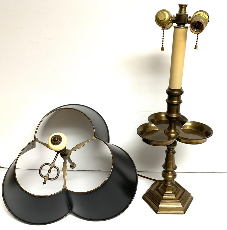 Pair of Brass and Tole Clover Bouillotte Lamps, by Chapman For Sale 2